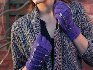 Photo: © Dan WalmsleyMarching Band Gloves (Knit Now Magazine 18)